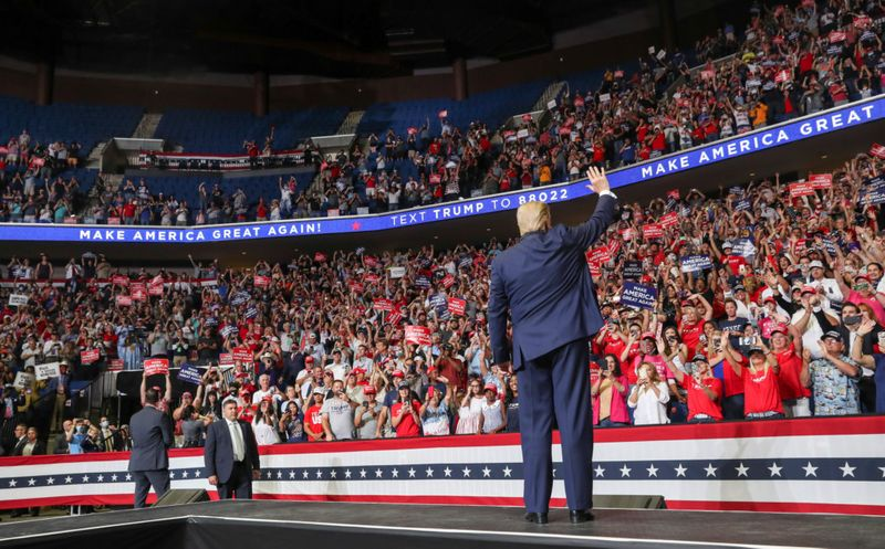 Copy of 2020-06-21T030013Z_562912902_RC2FDH9UO5B9_RTRMADP_3_USA-ELECTION-TRUMP-1592721474202