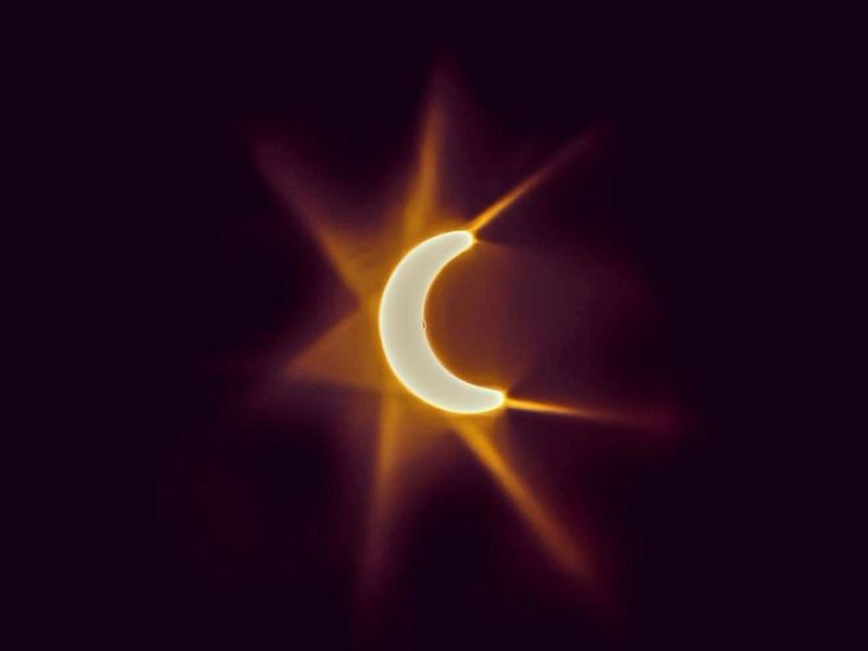 {please keep credit} Gulf News reader @alhamraholidayrental Eclipse 2020 - Ras Al Khaimah