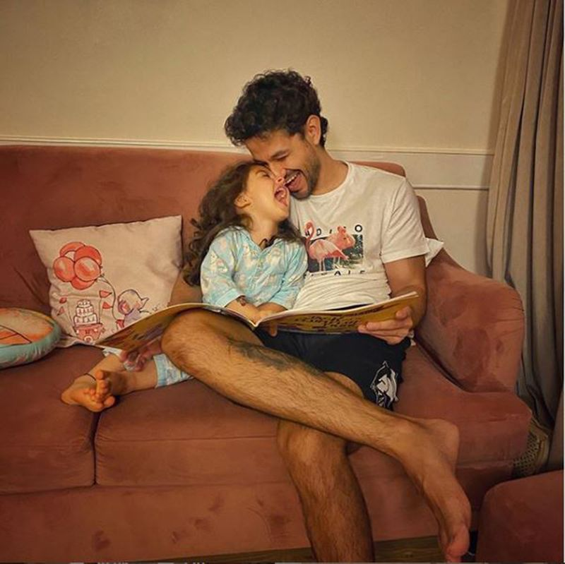 Kunal Kemmu with his daughter