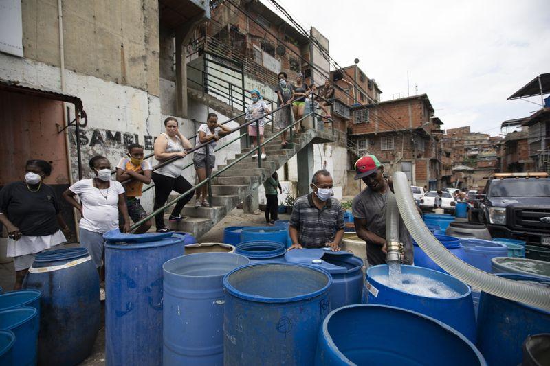 Copy of Venezuela_Water_Shortage_07282.jpg-1eb9a~1-1593249414838