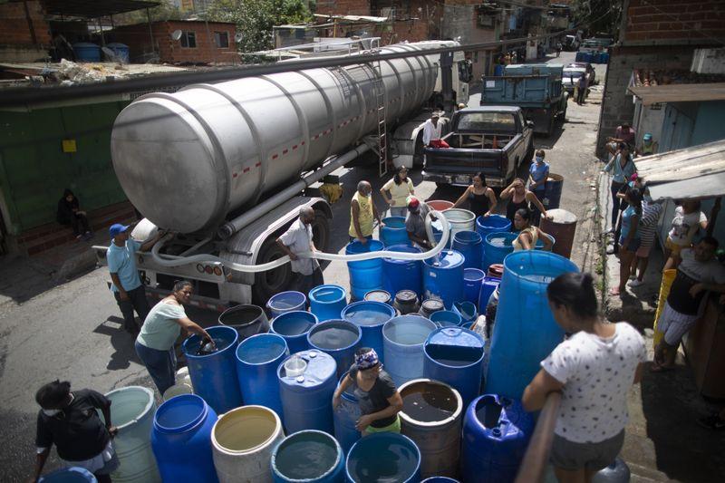 Copy of Venezuela_Water_Shortage_14896.jpg-595e5-1593249355183