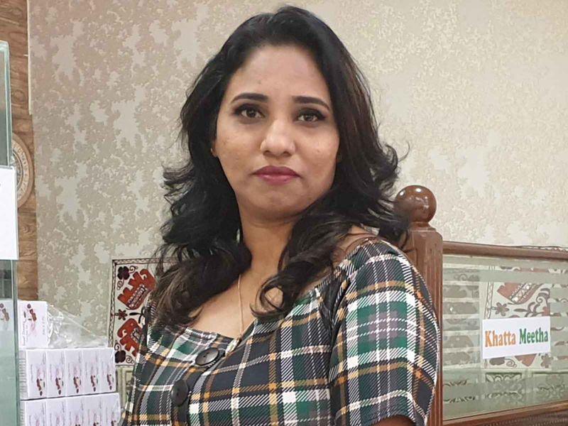 NAT AK INDIAN WOMAN-1593239668028