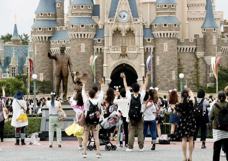 Copy of Virus_Outbreak_Japan_Disneyland_01778.jpg-d0267~1-1593689163914
