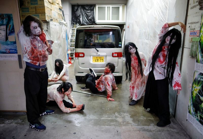 Copy of 2020-07-03T124222Z_169395059_RC2OLH9KU090_RTRMADP_3_HEALTH-CORONAVIRUS-JAPAN-DRIVE-IN-HORROR-1593788286631