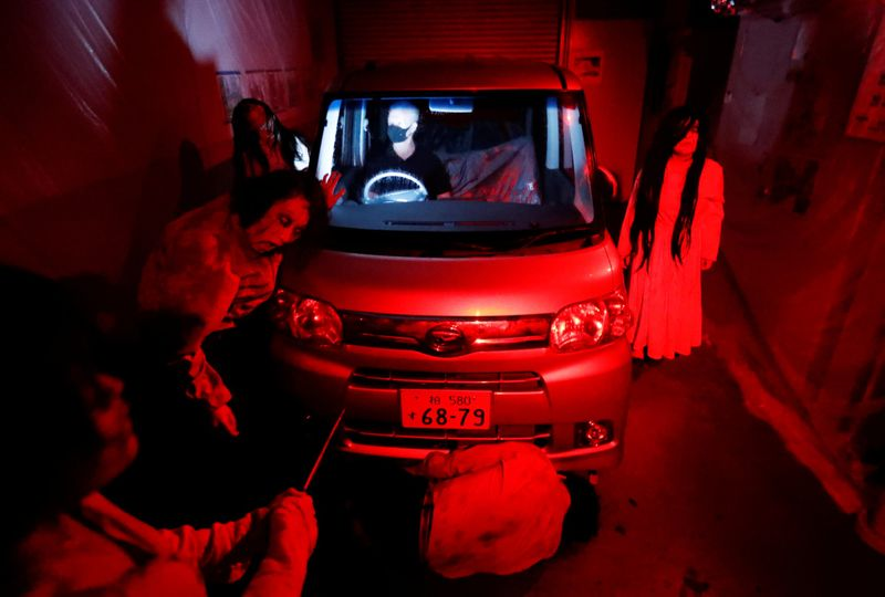Copy of 2020-07-03T125404Z_490751489_RC2OLH908YXY_RTRMADP_3_HEALTH-CORONAVIRUS-JAPAN-DRIVE-IN-HORROR-1593788300303