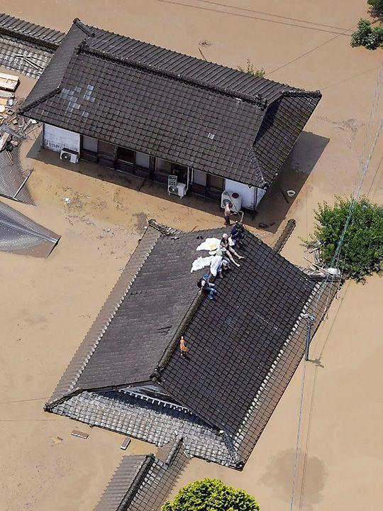 Japan_Heavy_Rain_53068