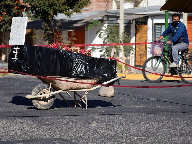 Bolivia coffins gallery