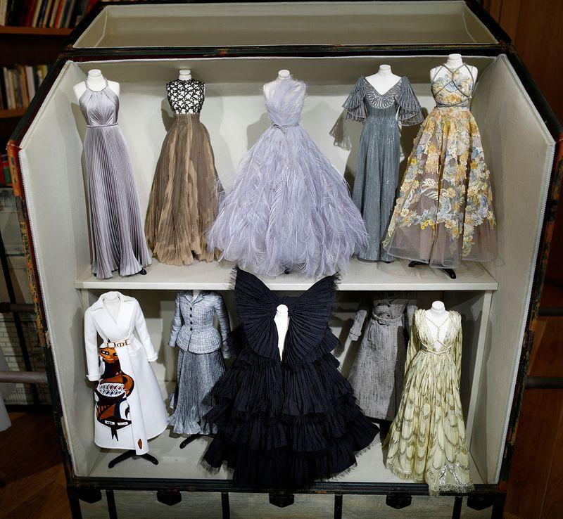 Miniature mannequins