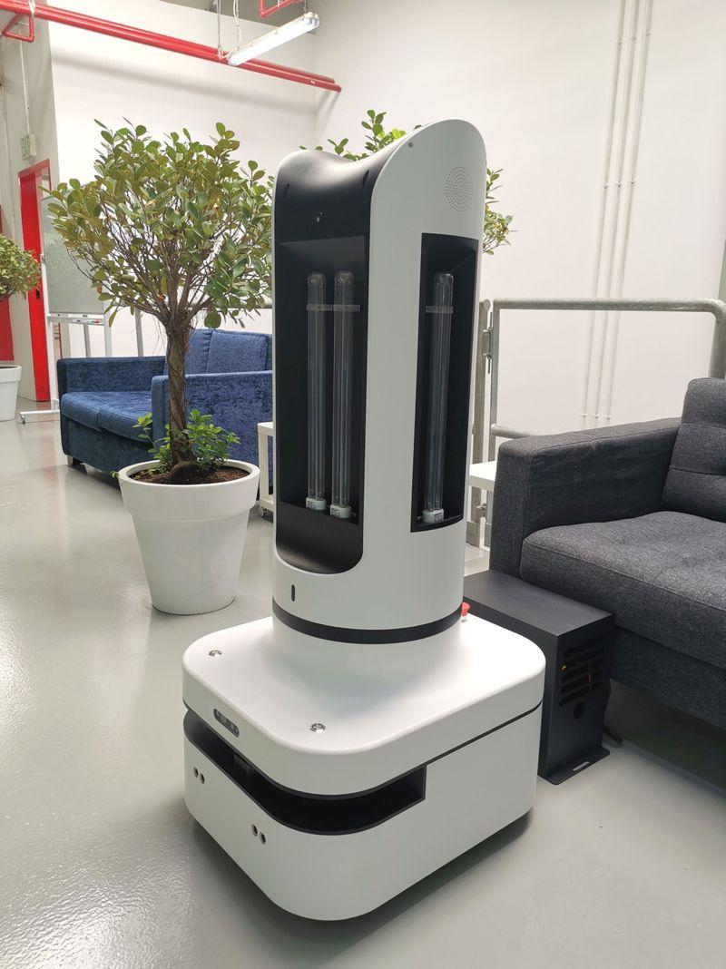 NAT 200706 Automated UVC Robot-1594022513207