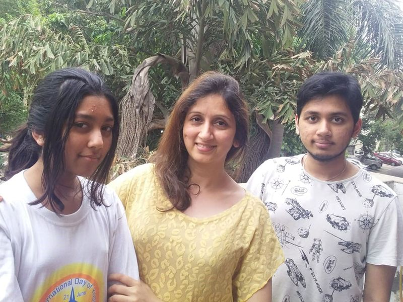 Vandana Srivastava (centre) with her children Syoni and Kushagra.
