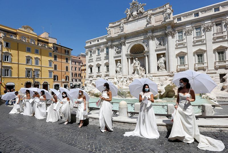 Italy wedding protest