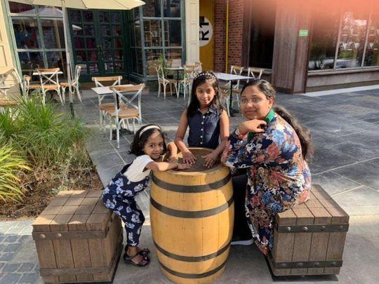 NAT 200707 Akhila Shinu with daughters Maria and Anna-1594106963943