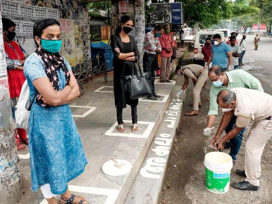 Kerala police Kochi social distancing