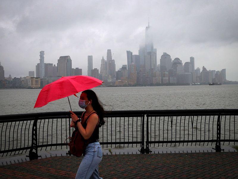 NY braces for storm Fay