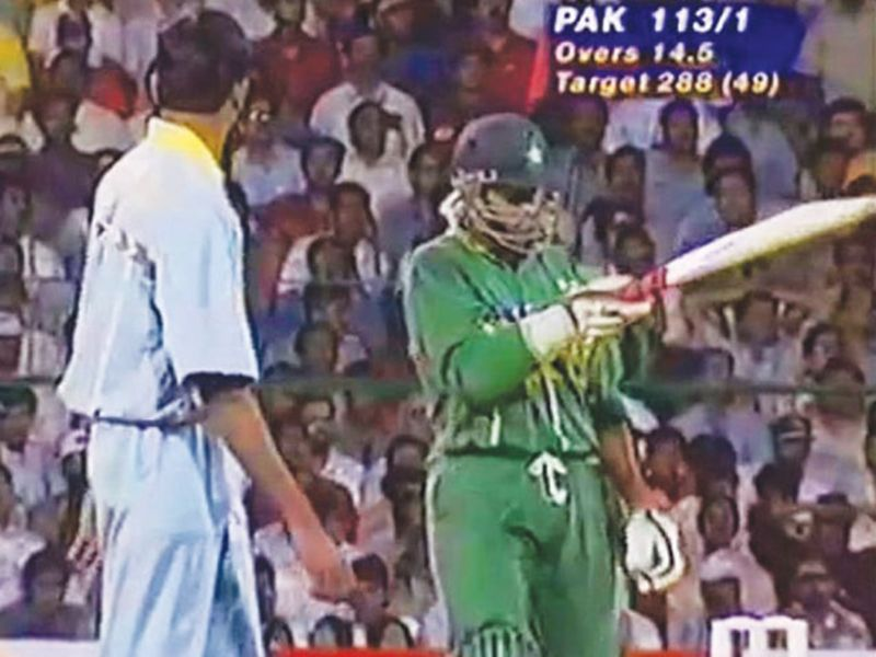 A screen grab of the Aamer Sohail and the Venkatesh Prasad incident during the 1996 World Cup