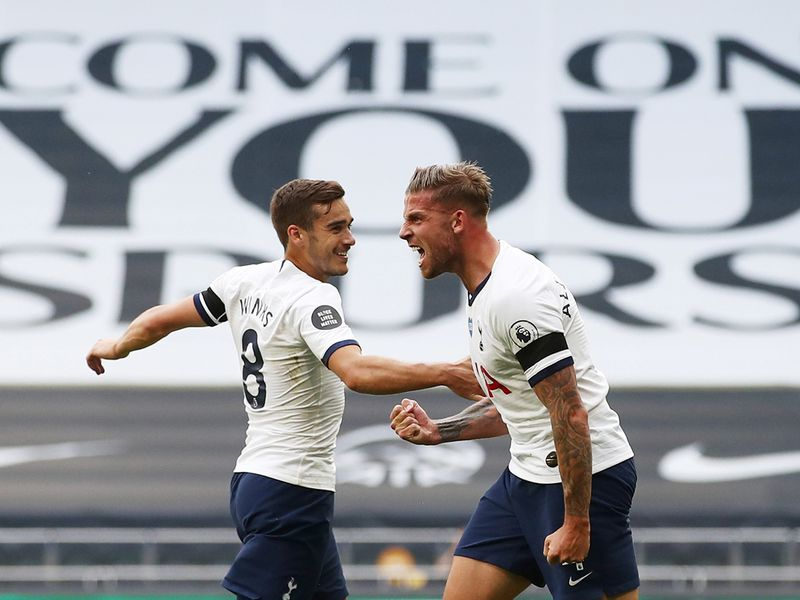 Tottenham Hotspur's Toby Alderweireld celebrates scoring the winner against Arsenal
