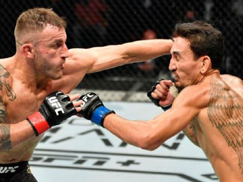 Alexander Volkanovski earned a split decision victory over Max Holloway at UFC 251.