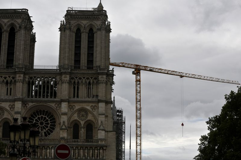 Copy of France_Notre_Dame_03265.jpg-af81c-1594544114320