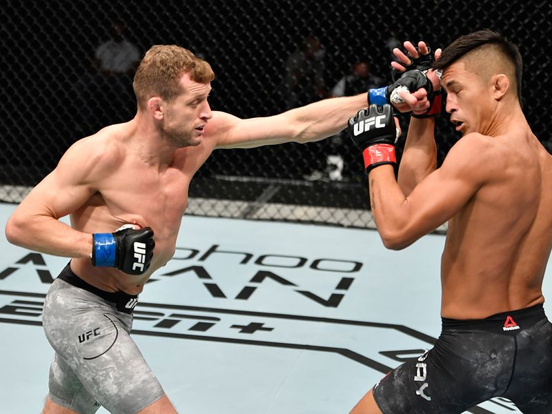 Division: Bantamweight Davey Grant (9-4 MMA, 0-2 UFC) def. Martin Day (10-4 MMA, 3-3 UFC) via knockout (punch) – Round 3, 2:38