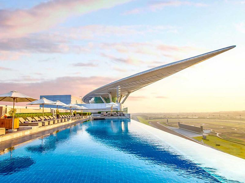 Meydan-Hotel---Infinity-Pool-new-for-web