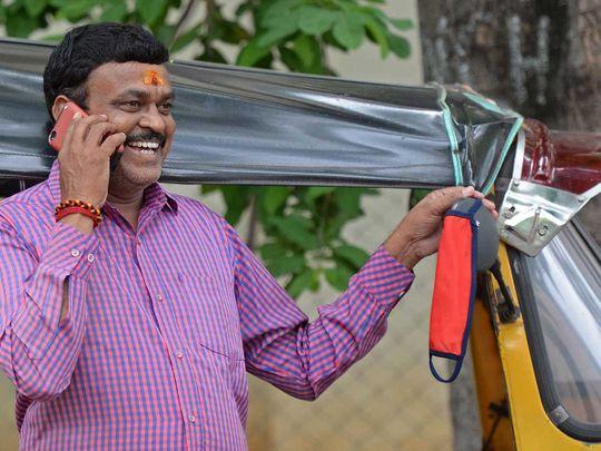 Srinivas, an auto-driver India mask coronavirus