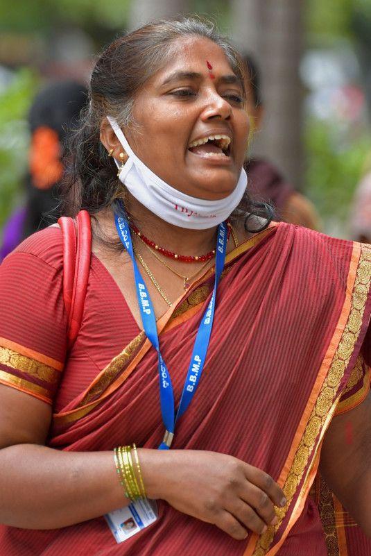WEB 200714 INDIA MASK322-1594725922484