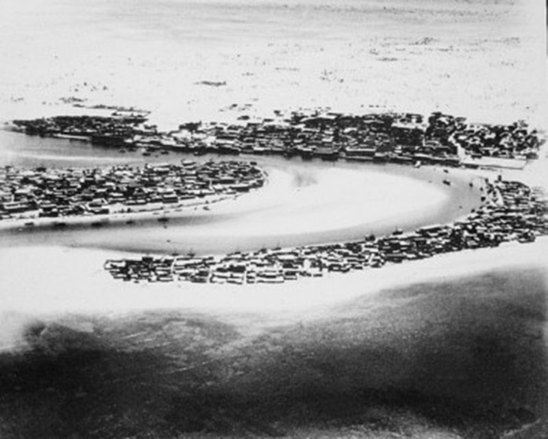 An aerial shot of Dubai in 1950