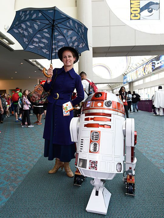 Comic-Con_Photo_Gallery_90686.jpg-3ef13-(Read-Only)