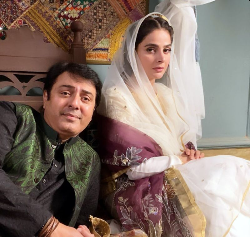 Nauman Ijaz and Saba Qamar on the set of MANN JOGI-1595406642799