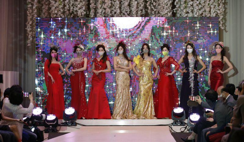 Copy of Virus_Outbreak_South_Korea_Fashion_Show_06823.jpg-60b6d~1-1595656197322
