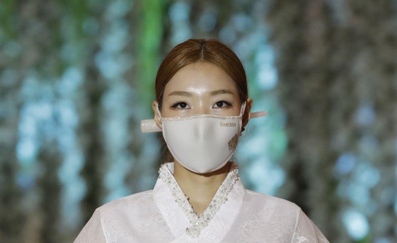 Copy of Virus_Outbreak_South_Korea_Fashion_Show_29035.jpg-50ea4-1595656200466