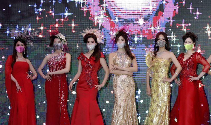 Copy of Virus_Outbreak_South_Korea_Fashion_Show_35400.jpg-be16a-1595656211716