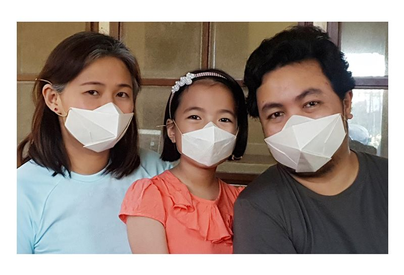 Philippine manufacturers are using abaca as the base material to build face masks which address health and environment issues brought about by the COVID-19 pandemic.