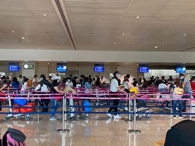 NAT 200731 354 Filipinos fly to Manila tonight 02-1596188208633