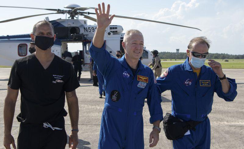 Copy of SpaceX_Astronauts_Return_01242.jpg-c19cc~1-1596423731982