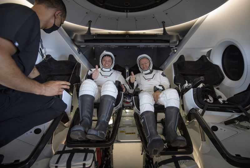 Copy of SpaceX_Astronauts_Return_06283.jpg-5019a-1596423751700