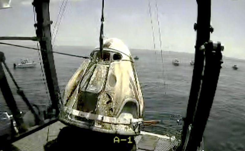 Copy of SpaceX_Astronauts_Return_76099.jpg-0986b~1-1596423741282