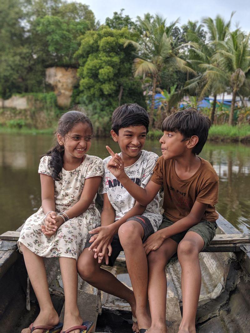 Child actors Ansu Maria Thomas, Vasudev S Marar, Suryadev S Marar in Kalla Nottam (1)-1596606772423