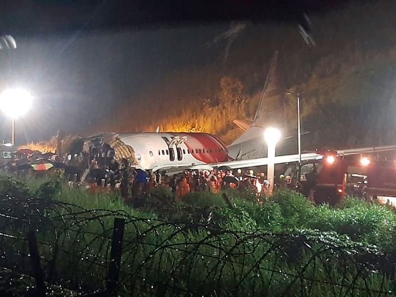 India_Plane_Crash_Lands_83205