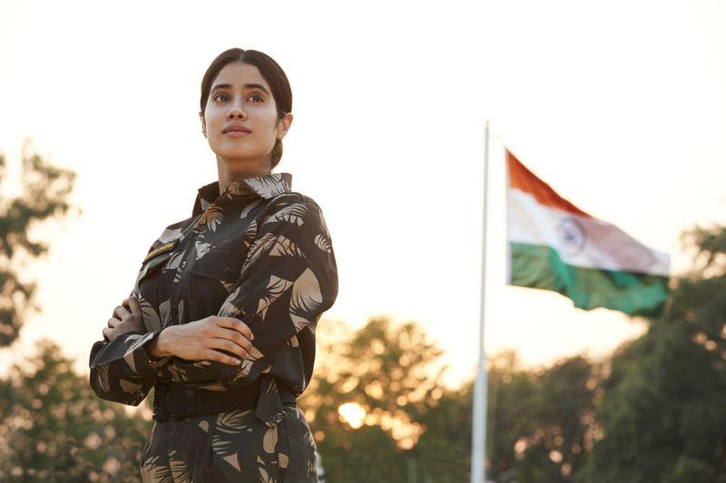 Gunjan Saxena_Jahnvi Kapoor_Netflix-1597051423518