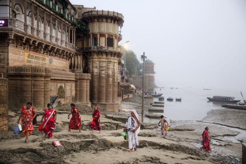 Copy of APTOPIX_India_Ganges_Photo_Essay_03454.jpg-bdd21~1-1597137627362