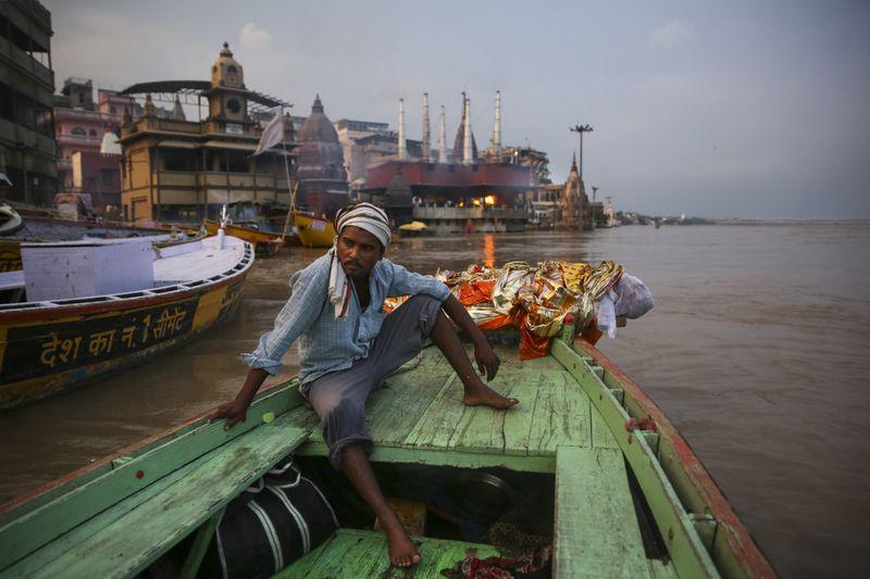 Copy of APTOPIX_India_Ganges_Photo_Essay_04587.jpg-1fe07~1-1597137623071