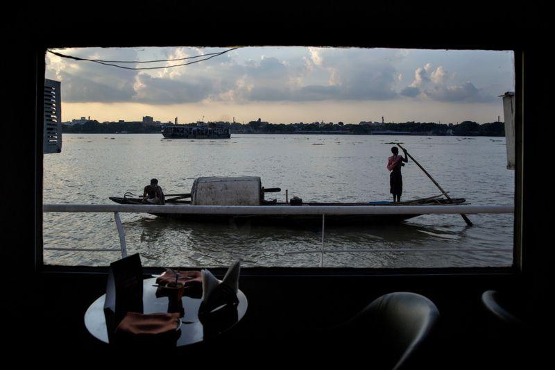 Copy of India_Ganges_Photo_Essay_73854.jpg-029dc~1-1597137519333