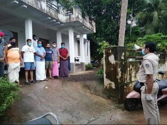 Kerala cop saluting volunteers