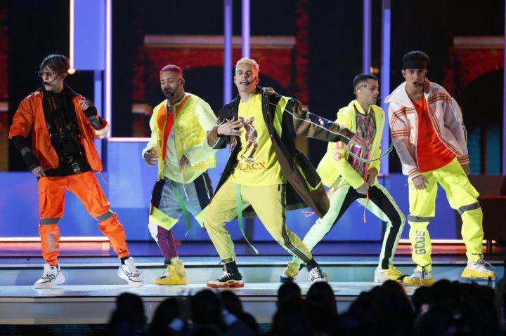 Copy of Music-MTV_VMA_Performers_41133.jpg-78fb5~1-1597209785265