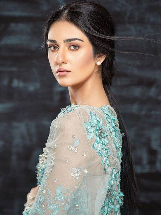 Saara Khan