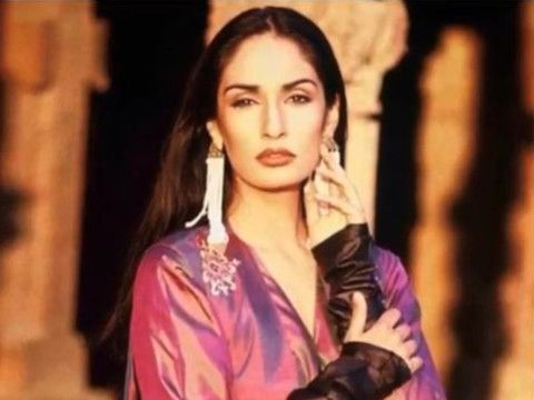 Model And Designer Simar Dugal Dies Of Cancer Fashion Gulf News