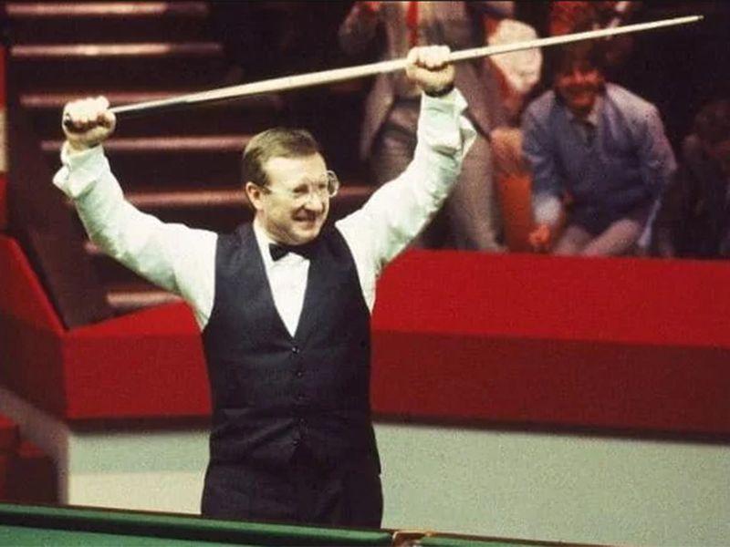 Dennis Taylor triumphs in 1985