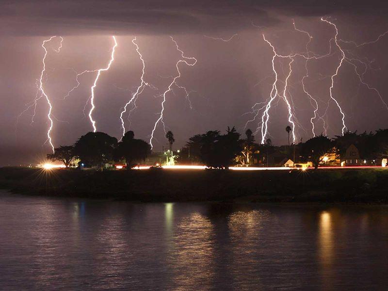20200817 rare lightning storm