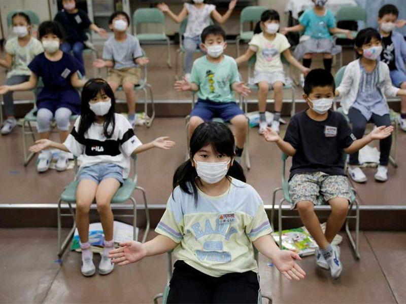 20200818 students in tokyo japan